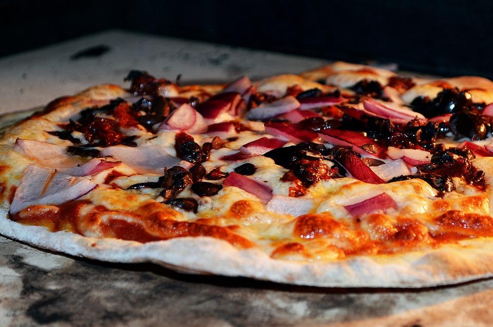 pizza-792844_960_720