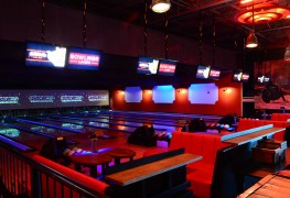 Bowlmor Lanes Chelsea Piers - photo by Andrew Werner, AHW_3826